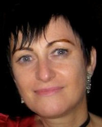 Dr Naomi Halls